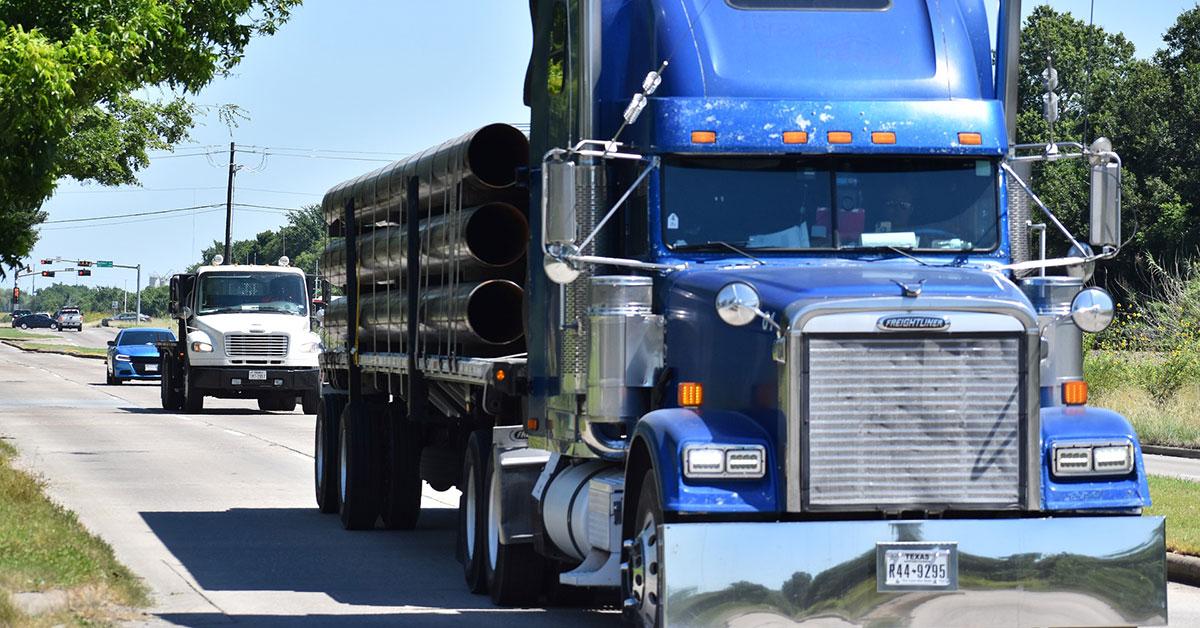 Roadside Truck Repair: Should You Call For Roadside Help?